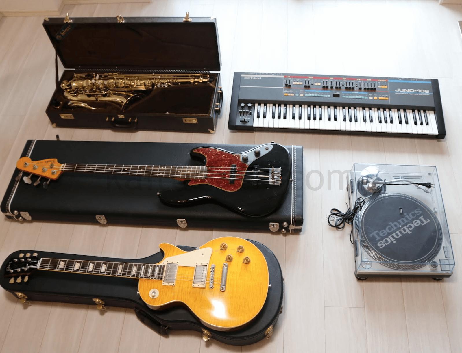 査定依頼した楽器(ギター、ベース、サックス、シンセサイザー、DJテーブル)